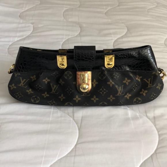 Louis Vuitton Handbags - Louis Vuitton very vintage purse!